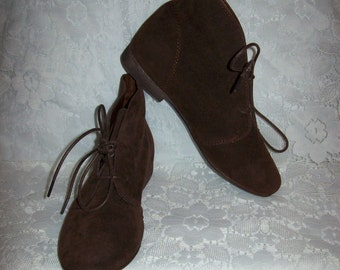 Vintage Ladies Brown Suede Ankle Boots by Breckelle's Size 6 1/2 Only 9 USD