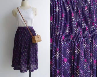 15% SALE (Code In Shop) - Vintage 80's Plissé Pleated Purple Diamond Plaid Skirt M or L