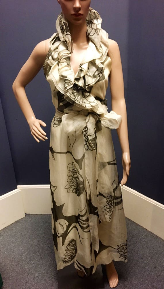 Vintage Early 1970s Charles Levine Beige Black Floral Print Dress Small 26 Waist