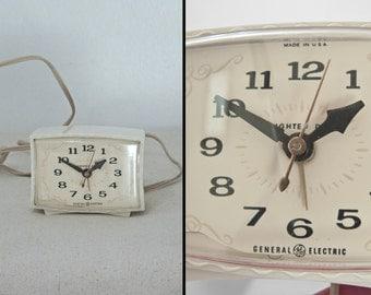 1960s ALARM Clock General Electric Cream Model 7316K Plug in Atomic Footed