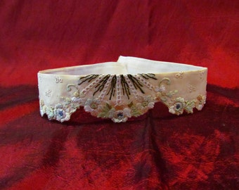 Antique Victorian Collar Embroidered Ivory Cream Eyelet Lace Edwardian Choker