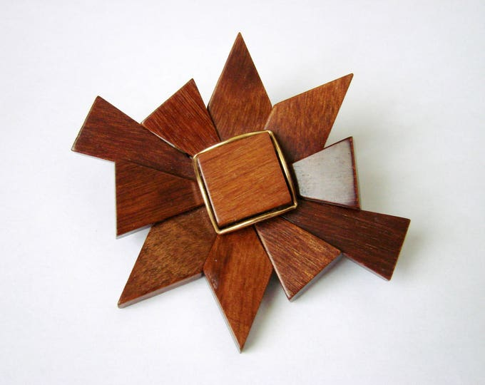 Lovely Large Wood Pinwheel Modernist Brooch / Vintage Jewelry / Jewellery