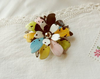 Large Sarah Coventry Flower Pin, Fashion Petals Series Enameled Metal Brooch, Spotted Pastels Pin