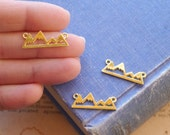 10 pcs Gold Mountain Silhouette Connector Charms Pendants Gold Plated 26mm (SC3114)