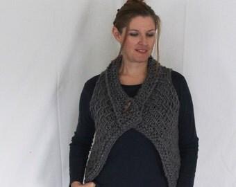 Chunky vest, women vest, grey vest, sweater vest, knit waistcoat, buttoned vest, chunky knit, third-piece, short vest, short sweater vest