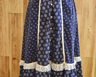 1970s Dark Royal Blue Gunne Sax Skirt, Seventies Micro Floral Bohemian Skirt, Midi Length Front Button Festival Skirt w/ Lace & Satin
