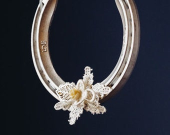 Charlotte Lace Leaf and Flower Lucky Wedding Horseshoe