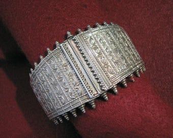 Vintage MIDDLE EASTERN Sterling Silver Cuff/Mesh Bracelet -- Massive 125 Grams, Beautiful Detail/Work, Best for larger wrist