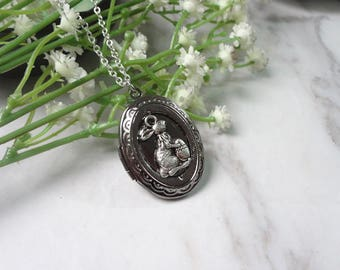 Lovely Squirrel  Oxidized Silver Color Oval Picture Locket Pendant Necklace 0339