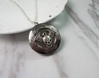 Lovely Skeleton Skull Oxidized Silver Color Round Picture Locket Pendant Necklace 0355