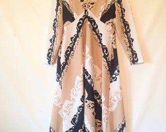 vintage maxi dress 1970s dress vintage floral dress polyester dress 70s seventies 1970s long sleeve dress size medium white and black dress
