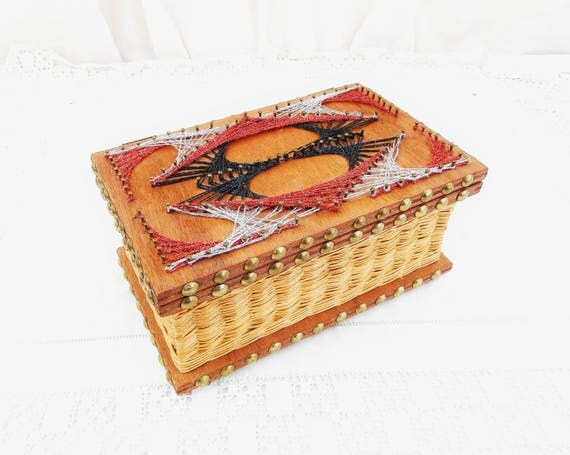 Vintage 1960s Mid Century String and Nail Art Wooden Rattan Box, Retro Wooden Box from France, Sparkly String Art Container, Retro Home