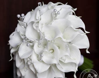 White calla lily wedding bouquet, real touch bridal bouquet, wedding bouquet with crystals, traditional white calla lilly bouquet pearls