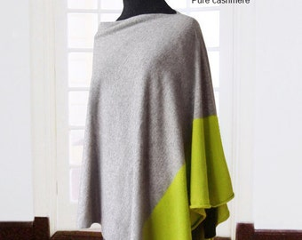 Ready to ship pure cashmere poncho and gloves / Duo color poncho / Pure cashmere arm warmers / Pure Cashmere poncho / Duo color / Light gray