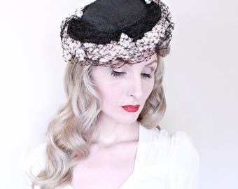 1930s Vintage Hat / Vintage Tilt Hat / Black and Pink / Veil / Netting / O Back / Flowers