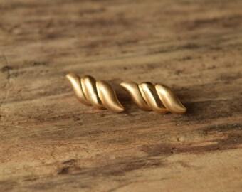 14 kt Gold Earrings - Vintage gold earrings - Petite stud earrings - small gold earrings - modern gold earings - 14k studs - 14 caret studs