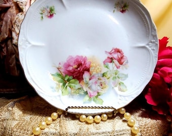 Vintage 1930s, Old Fashion Rose Plate, Pink and Burdundy