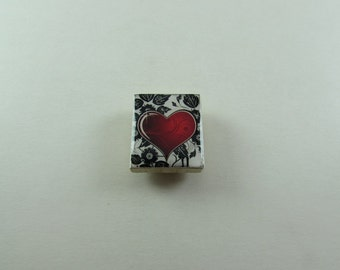 Heart Needle Minder from Designs by Lisa, made from upcycled scrabble tiles. Useful needlework accessory and makes a great gift too!
