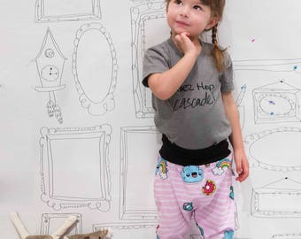 Hooded joggers pants Doodle Pink retro pink, patch cloud pattern and diamonds sarouel girl fork bass, summer collection