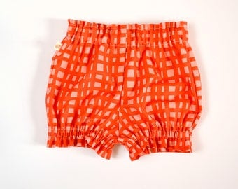 Summer Bloomers - Shorts - Diaper Cover - Baby Shorts - Toddler shorts - Baby Boy bloomers - Baby Girl Bloomer - Strawberry checkers