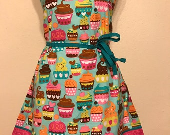 "Women's Full Apron ""Craving Cupcakes"""