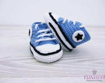 Crochet Baby Converse, Crochet Baby Shoes, Crochet Baby Booties, Baby Boy Shoes, Blue Baby Booties, Sneakers, for baby 0-3 , 3-6  BB102
