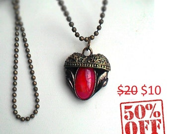 Sale,Natural, Carnelian,Cabochon,Tiny gemstone,Pendant,Handmade Necklace,Vintage style,Pendant in the shape of heart,a gift,elegant