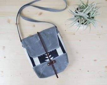 Waxed Canvas Crossbody Bag with Walking Rock Pendleton® Fabric / Wool Purse / Waxed Canvas Purse