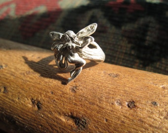 Vintage Sterling Silver Fairy Ring Size 5.5