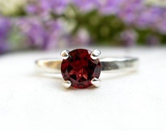 Natural Brilliant Cut Garnet Ring in 925 Sterling Silver *Free Worldwide Shipping*