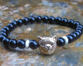cat jewelry Cats rule  black & white bracelet gift for cat lover beaded stretch bracelet stacking bracelet black beaded bracelet tuxedo cat