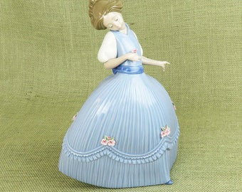 Lladro Girl in Bluish Dress - Primavera #2 Lily Girl, Lladro Collector, Retired Lladro, Fine Porcelain Statue