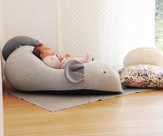 pouf de la souris pour les b b s fauteuil pouf pour enfant. Black Bedroom Furniture Sets. Home Design Ideas
