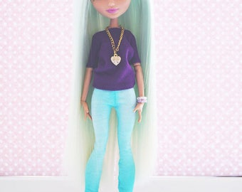Monster! Handmade! One copy! Doll clothes — T-shirt, pants, jewelry and bracelets for dolls.