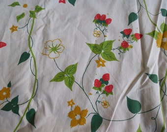 Vintage Twin Size Strawberry Blossom Floral Fitted Sheet Floral
