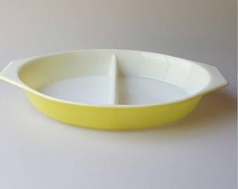 Pyrex primary yellow divided server or casserole 1 Qt vintage 1959