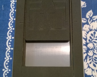 Stampin Up Pop n Cuts  Base , Pop n Cuts  Dress Form  and Pop n Cuts Label Die - Free Shipping