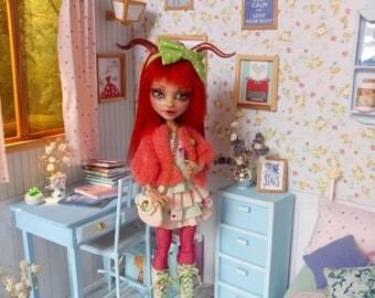 Monster high repaint,Taurus zodiac doll,Howleen Wolf repaint