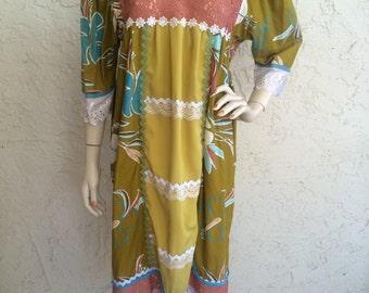 Vintage Hawaiian Muumuu Aloha Dress