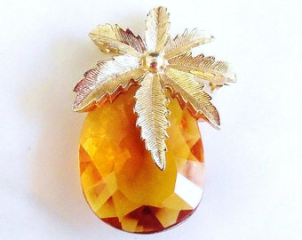 Vintage Sarah Coventry Pendant, Autumn Haze Pineapple Brooch, Designer Brooch, Faceted Topaz Glass Brooch, Gifts for Her, Gold Tone Brooch