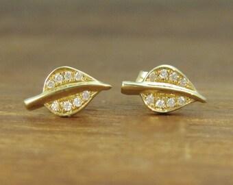 Dainty Gold Stud Leaves Earrings, Diamond stud Leaves earrings, Diamond Leaf Stud Earrings, Gold Natural Earrings, Bridal Stud Earrings