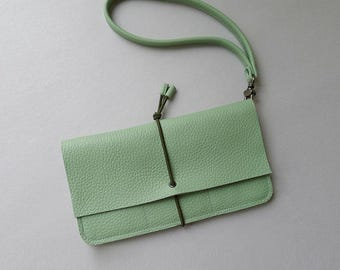Wallet xlarge / travel purse - linden green leather & olive green elastic strap
