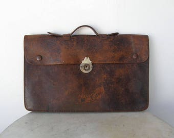 ENGLISH LEATHER BRIEFCASE Old School Case Locking Front 2 Snap Closures + Lock (no key) 2 Sections Inside Secure Handle Brown Leather 1940's