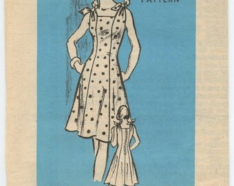 1970's Mail Order Pattern 9223 Misses' Sleeveless Sun Dress with Tie Shoulders Seamed to Slim Bust 40 UNCUT
