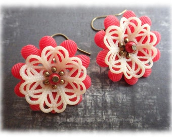 red Chrysanthemum - earrings dangle vintage style with flower resin cabochon