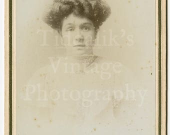 Cabinet Card Photo - Edwardian Young Pretty Woman, Gibson Hair Portrait - Freemans Co. of Salisbury England - Antique Photograph