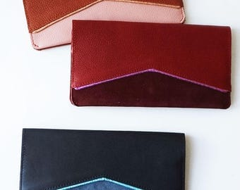 Leather clutch bag, leather wallet, cheque book holder, credit card case, coin purse, genuine leather, cotton lining, pocket, compartments