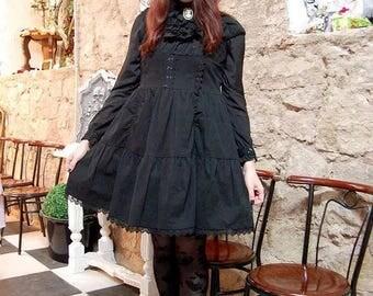Elegant Dame Black Dress