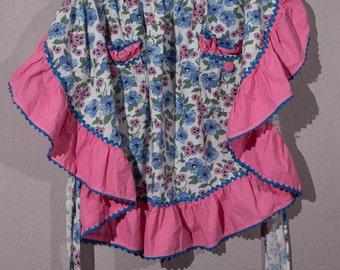 Vintage Apron, Vintage Flour Sack Apron, Vintage Handmade Apron, 1940's Apron, Cottage Chic Apron, Granny Chic Apron
