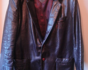 This is a Wonderful Men's Leather Jacket From the Early 1990's